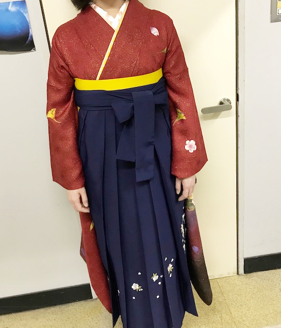 袴姿で卒業式に謝恩会へ