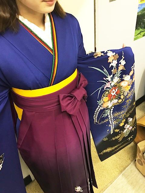 卒業式にキリッとカッコいい袴姿で