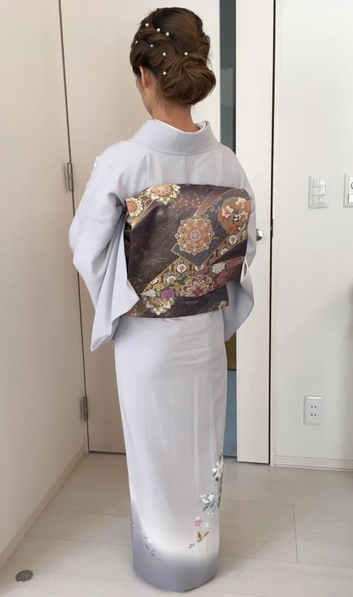 出張美容と素敵な加賀友禅の着付けに