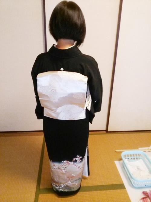 黒留袖で結婚式へ