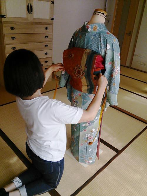 着物教室で他装着付けの練習を(^^)♪
