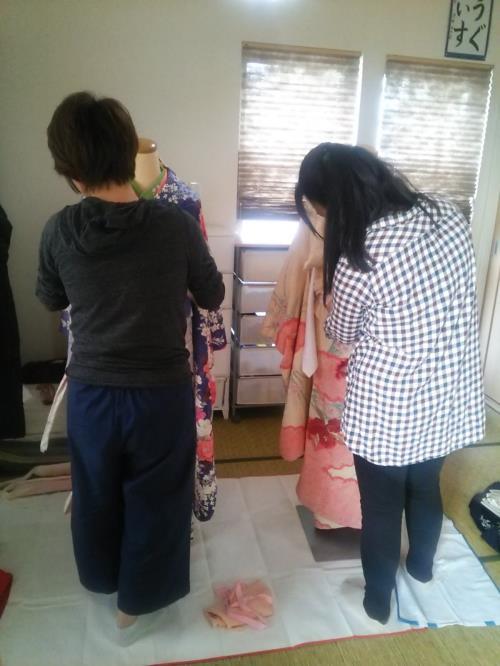 着付師の振袖着付け練習会(^o^)♪