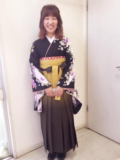 ハーツ五日市へ袴の出張着付に(^^)♪