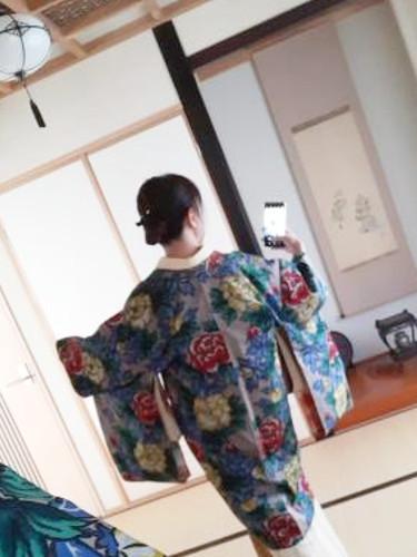 結城紬に更紗文様の帯後ろ